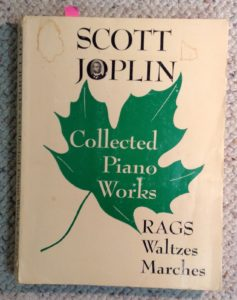 Scott Joplin's best loved piano works.